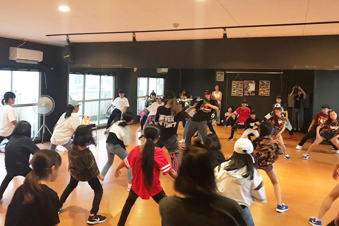 DANCE STUDIO Wag.